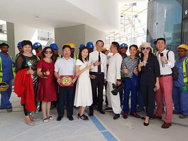北京大学新万博manbetx电子游戏教授万博体育manbetx手机版登陆赴阿联酋首都和迪拜看万博全站客户端