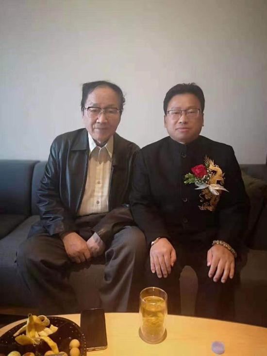 北大新万博manbetx电子游戏教授万博体育manbetx手机版登陆与国家体委原副主任刘吉研讨传统文化